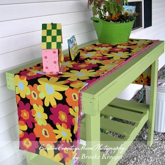 Creative Country Mom My Diy Picket Fence Bench A Lowes Creative Ideas Project