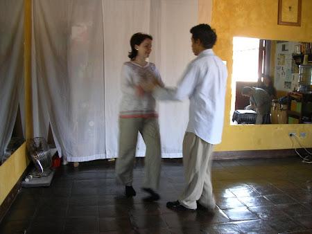 Guatemala: Salsa dance lessons