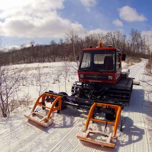 Pisten Bully grooming with the front end renovator on Twin Lakes trail