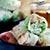 Sajgonki z grillowanymi krewetkami i zielonym mango