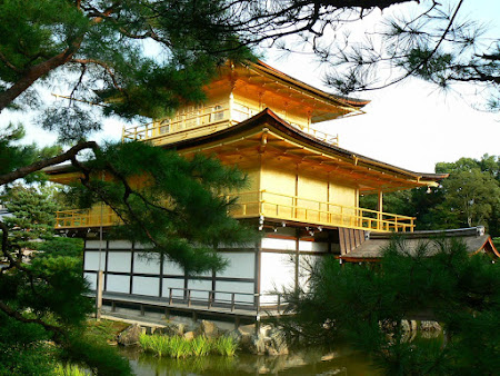 Things to do in Kyoto: Visit the golden temple