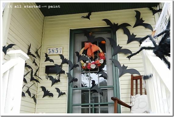 bats on door(600x450)