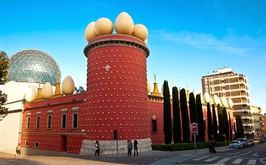 Театр-музей-Сальвадора-Дали-Испания1