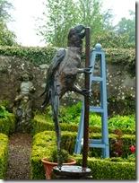 stobshiel parrot sculpture