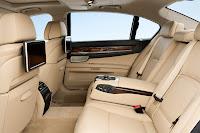 2013-BMW-7-Series-41.jpg