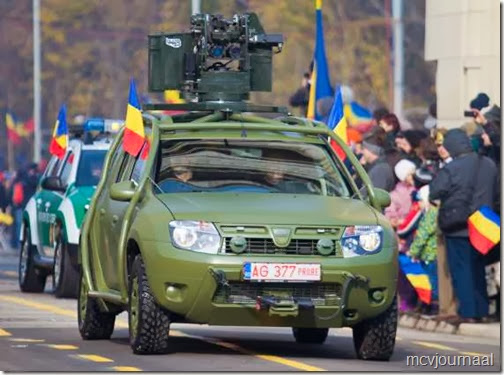 Dacia Duster in legeruitvoering 03