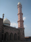 18 storeys high octagonal minaret of the mosque.