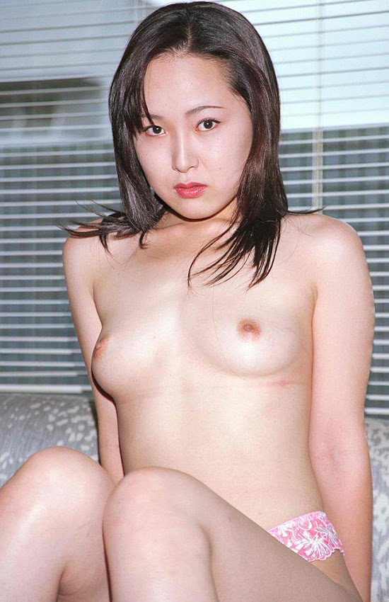 hornyasiangirls.net - Amateur Thai Spreads Her Thigh (10).jpg