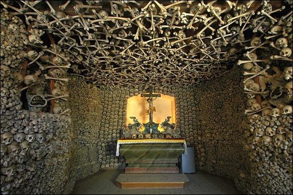 Skull-Chapel-Czermna-Poland-01