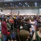 Огромное количество людей посетило выставку.