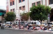 A strike by garbage collectors and street cleaner has left Sana&#039;a buried in trash for over two week. People have resorted to dumping trash in the center divide outside Al Kumaim Center on Hadda street, Sana&#039;a, Yemen
