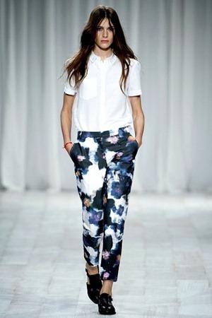 London Fashion Week - Paul Smith (Spring 2012) 24