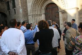 Puerta lateral de la Catedral de Valencia donde se ubicaba el mihrab de la Mezquita de Balansiya. Valencia (España).