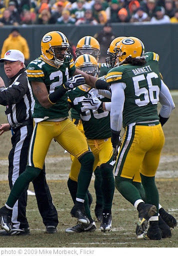 'The Packers' 'D' celebrates' photo (c) 2009, Mike Morbeck - license: http://creativecommons.org/licenses/by-sa/2.0/