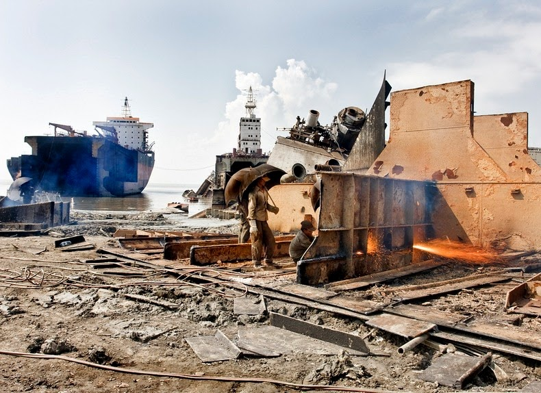 chittagong-ship-breaking-yard-13