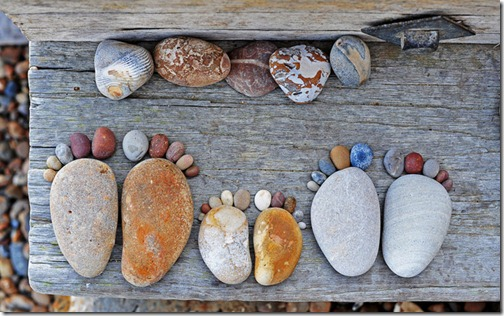 Stone_Footprints_by_Iain_Blake_1