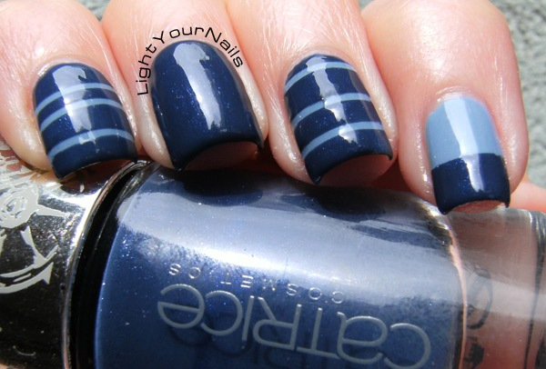 blue nailart