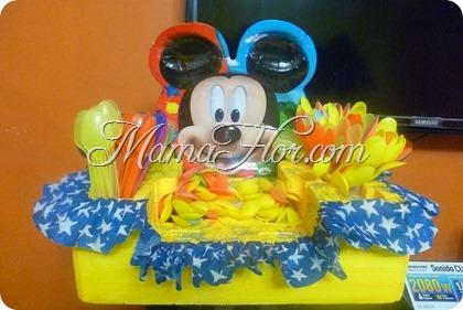 Porta cubiertos de Mickey Mouse usando tecnopor reciclado de electrodomésticos
