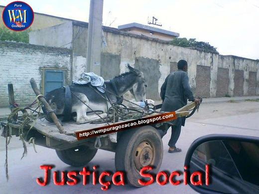 FLAGRANTE - JUSTIÇA SOCIAL SÓ SE FAZ ASSIM - INVERTENDO OS PAPEIS, OS GOVERNANTES ASSUMINDO O LUGAR DO POVO