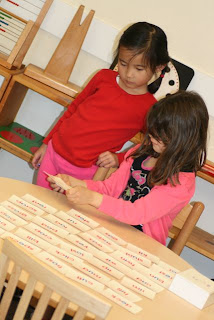 irvine-montessori-preschool-reading