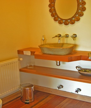 baño-moderno-lavabo-de-piedra