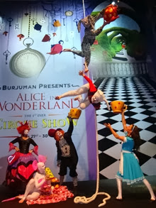 Alice in wonderland circus show