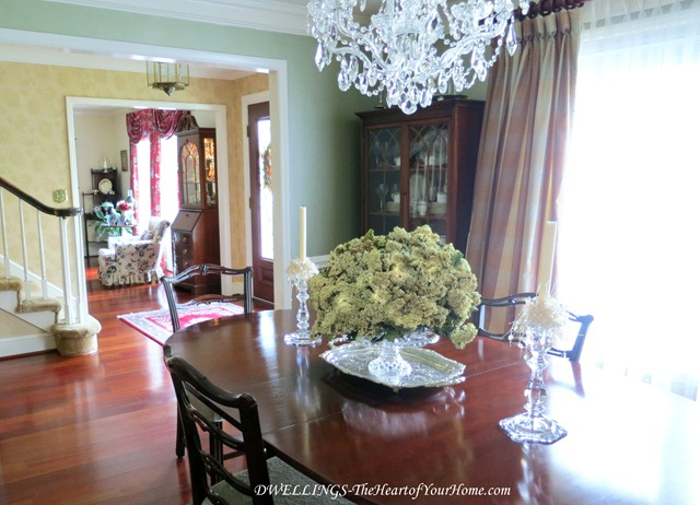 Silver tray and silver in the dining room