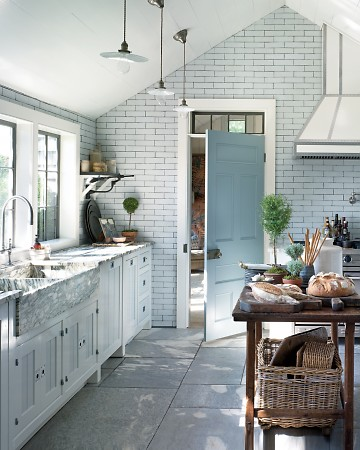 The subway tile on this wall with the dark grout looks very European. (Annie Schlecter/Marthastewart.com)