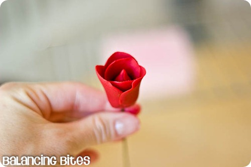 How to make gum paste roses (8)