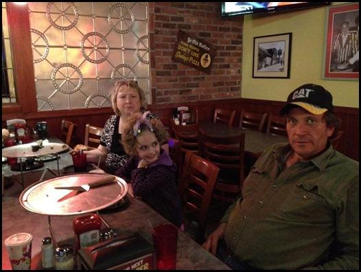 Dinner at Shakeys with mom and dad (2) (Medium)