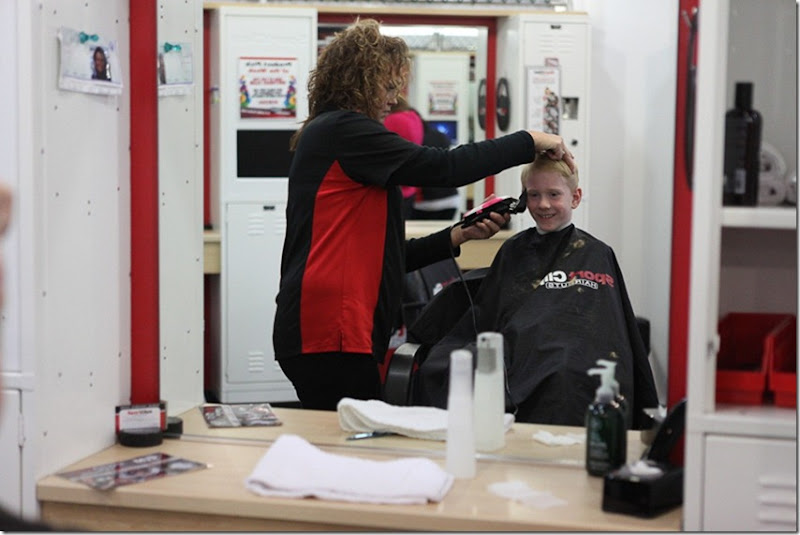 Alex getting a sportsclip haircut (8)-blog