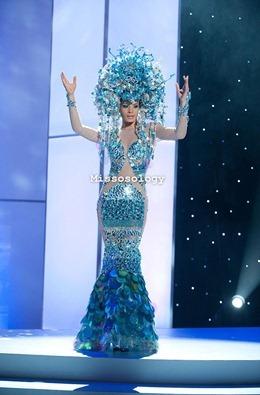 miss-uni-2011-costumes-8