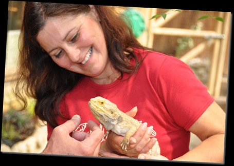 Lydia with Ned (Bearded Dragon) DSC_0705