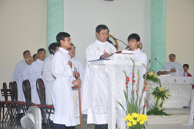 Thánh lễ nhậm chức cha sở giáo xứ Hội lộc