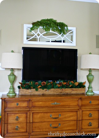 decorating under flatscreen