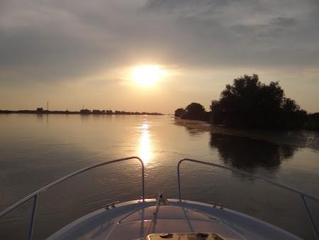 42. Apus de soare in Delta Dunarii.JPG