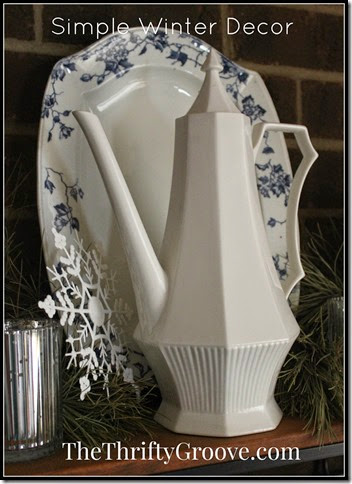 simple winter decor @ TheThriftyGroove.com