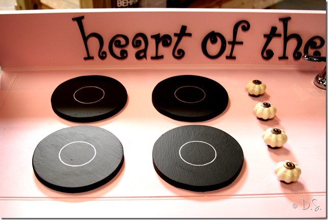 Livin on Love: DIY Kid's Kitchen…a how-to post by Dave.