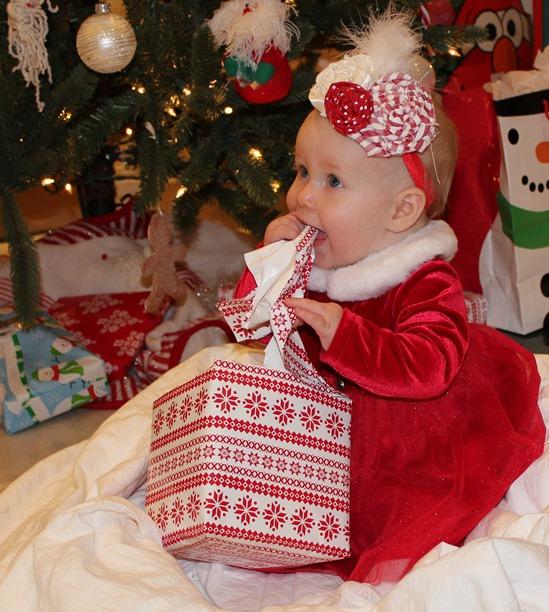 CHRISTMAS 2011 134-1