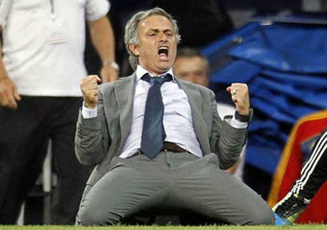 ERROR 404 Jose-Mourinho-DT-del-Real-Madrid-L-celebra-despues-anotar-el-tercer-gol-Cristiano-Ronaldo