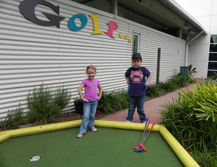 Mini Golf - Kids in the Park