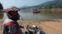unsere erste Fährfahrt in Laos