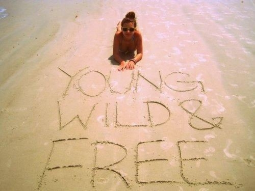 pinterest_inspiring_summer_photo_young_wild_and_free_quote