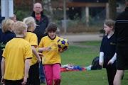Schoolkorfbaltoernooi ochtend 17-4-2013 125.JPG