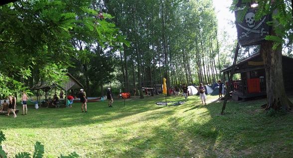 el campamento en la isla