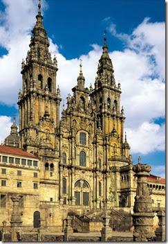 Santiago-de-Compostela-Cathedral-in-Spain_Beautiful-facade_6878