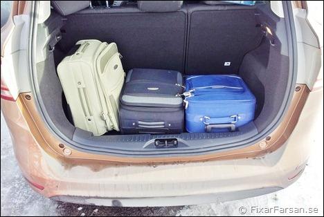 Lastutrymme-B-Max-Väskor-Barnvagn