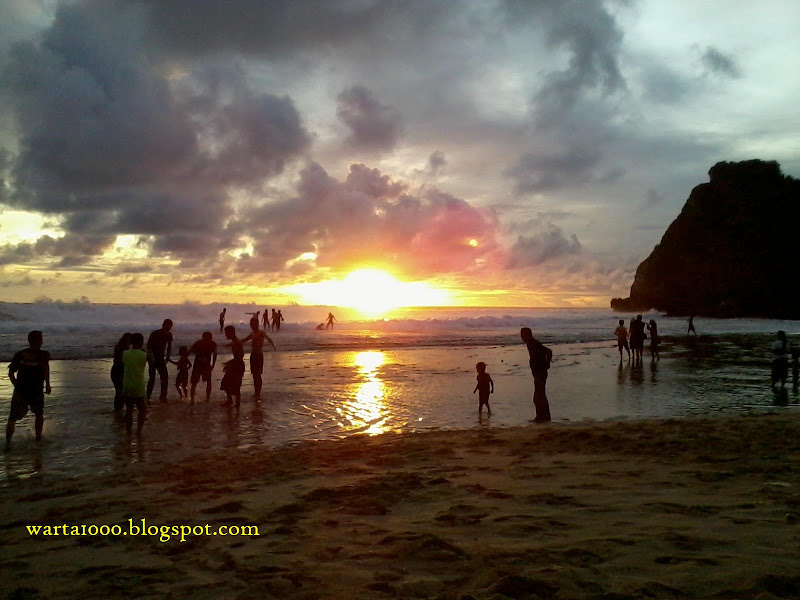 sunset-di-pantai-nguyahan-ngobaran