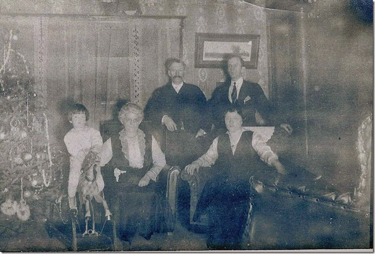 Gould_Harry_Marie_Val_Mae & Norman_Christmas_circa 1915_cropped