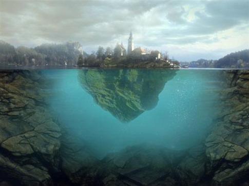 63. Isla flotante sobre el agua